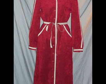 SALE Mollie Parnis Red Ultrasuede Shirtwaist Dress with Gray Contrast Vintage 70's M B37