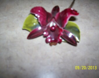 Vintage orchid pin, very retro