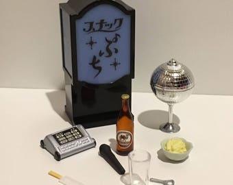 Dollhouse Miniature 1:12 scale bar saloon set plastic rement re-ment alcohol bottles