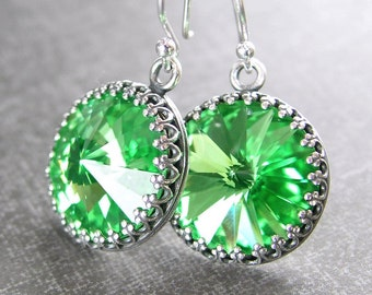 Earrings Sterling Silver with Emerald Green Swarovski Crystals vTJxucL