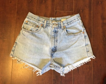 505 Levi's Jean shorts zip fly Waist W 30