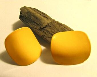 Fun sunshin-ey, happy curved yellow vintage enamel earrings