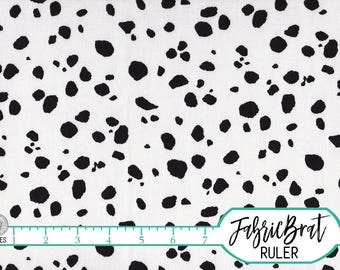 DALMATIAN Fabric by the Yard Fat Quarter Black & White Fabric Dog Spot Fabric Dog Fabric PET Fabric Quilting Fabric 100% Cotton Fabric w1-30