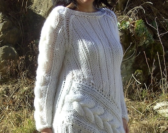 Hand-knitted Soft and Fuzzy MOHAIR SWEATER, ladies S-L