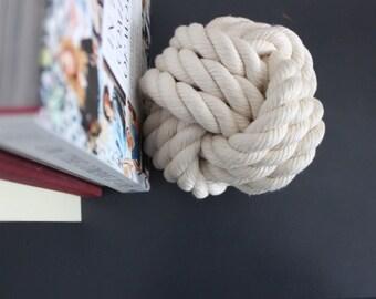 Decorative Rope Knot / cotton white