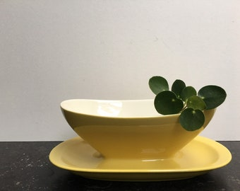 Beatiful saucier, gravy boat, sauce boat, yellow pastel, can be used as a planter for cacti or succulents