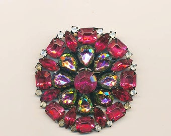 Beautiful large vintage brooch - peachy raspberry and vitrail glass stones