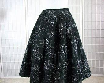 1950s Black & Ivory Hand Painted Taffeta CIRCLE Skirt......  size Medium / 27 Inch Waist