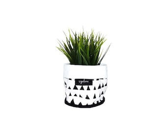 Soft Pot Fabric Bucket Triangles pattern Black and white Soft Pot Fabric Bucket 100% Cotton fabric Nordic design Scandinavian style