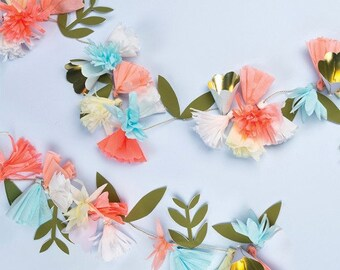 Floral Bouquet Garland 7ft