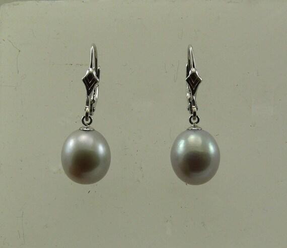 Freshwater Gray Pearl Earring 14k White Gold Lever Back