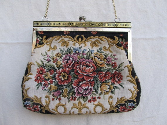 Vintage & Retro Handbags, Purses, Wallets, Bags Floral Print Carpet BagFloral Print Carpet Bag $30.00 AT vintagedancer.com