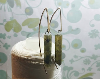 14K Gold Fill - Labradorite Threaders / gold threader earrings /green earrings / contemporary earrings / modern minimalist earrings