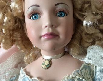Doll  porcelaine