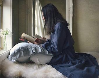 Vintage inspired Midnight Blue linen dressing gown/ Stonewashed linen bath robe/ Luxurious spa robe