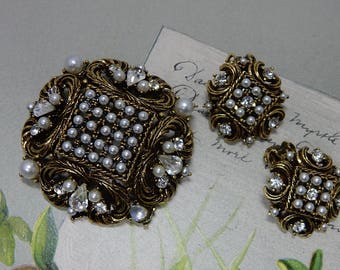 Mode ART Signed Pearl and Rhinestone Baroque Brooch & Clip Earrings Set by Arthur Pepper    PM7