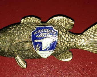 Vintage Fish Pin Minnesota Jewelry Land of 10,000 Lakes Minnesota Pin Fish Brooch State Pin Fish Jewelry Great Lakes Jewelry State Jewelry
