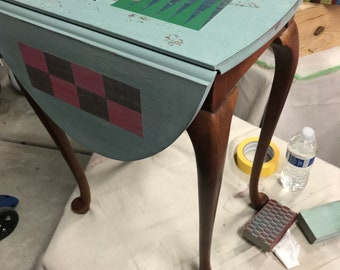 Distressed Backgammon Vintage Queen Anne Side Table