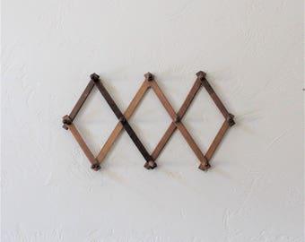Vintage Accordion Wall Rack, Wood Peg Rack, Wood Coat Rack, Wooden Wall Hanging, Wood Wall Hook, Hat Rack, Expandable Wood Rack Wall Display