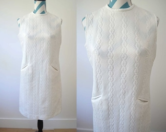 Vintage 1960s Mod Shift Dress White Cable Knit Sleeveless Pressy Resort Mad Men - Mid Century