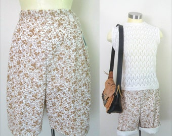1960s Calico Print Walking Shorts Deadstock New With Tags 28 Inch Waist