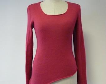 WINTER SALE. Warm soft asymmetrical pink woolen sweater, M size.