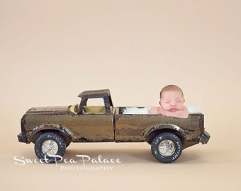 Newborn Baby Photography Prop Digital Backdrop for Photographers Rusty Truck