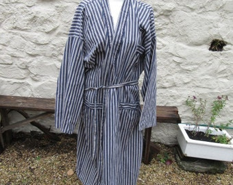 Blue and white striped men's dressing gown size XL