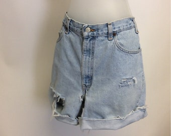 Tattered Cut off Levi  Raw Destroyed denim Shorts 36