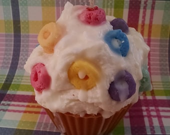 Fruit Loops, Cupcake Candle, Soy Wax Candle, Bakery Scented, Highly Scented, Dessert Candle, Eco Friendly, Handpoured handmade, Cereal