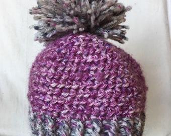 Baby's pompom winter hat (6-12) months)