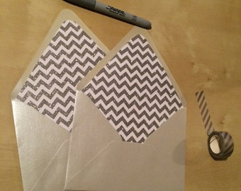 Silver envelope with glitter silver and white chevron liner