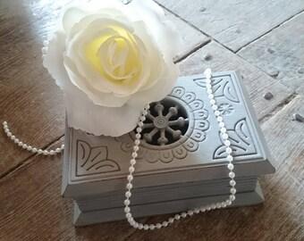 Shabby old/decoration/box/jewelry secret book box