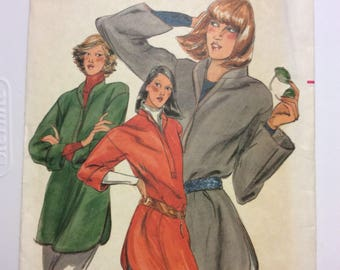 80's Loose Fitting Top,Band Collar,Size 6 Petite,Wide Sleeves,Long Top,Button Front,Vintage Fashion,Rolled Sleeves,Butterick 5623