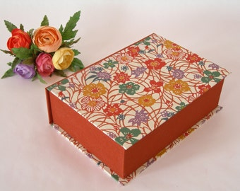 Clamshell  box - 5x7x2in. - cinnamon/rust and multi-coloured wildflower katazome - Ready to ship