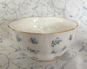 Royal Albert Blue Heaven Sugar Bowl Scalloped Edge Gold Trim