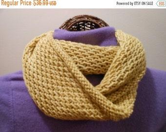 MOTHERSDAY Hand-Knit Wheat Yellow Deep Cowl/Hood