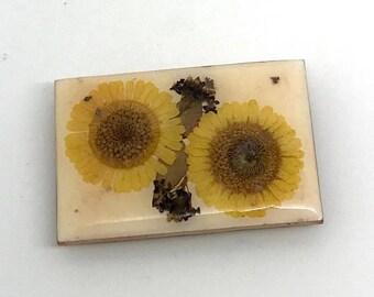 Vintage Genuine Pressed Flower Pin