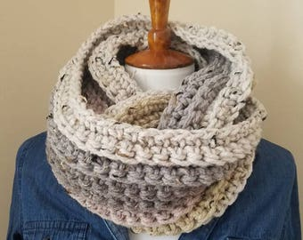 Laura Infinity Scarf.CREAM/GRAY/Light PINK Infinity Scarf//Ready to Ship//Crochet Scarf//Ribbed Scarf