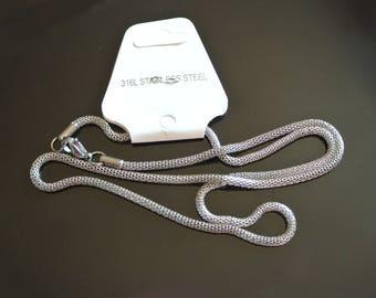 A chain made of 316L stainless steel mesh or net tube mesh 2.4 mm, 50 cm chain, fermeturemousqueton, mesh