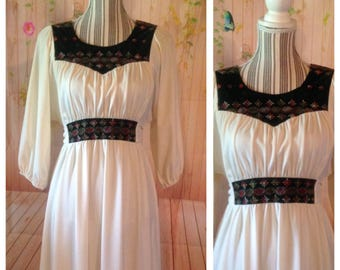 Vintage Off White Prairie Style Dress With Embroidered Bodice And Waist