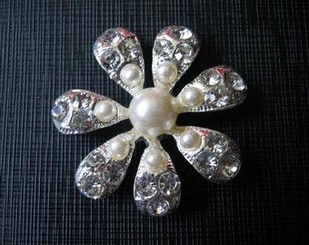 Beautiful Clear Crystal Rhinestone White Shell Pearl Flower Pendant