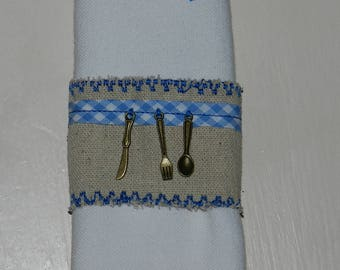 "set of 2 napkin rings ""On A table!"" (blue) linen"