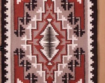 AMERICAN SOUTH-WEST, Navajo Nation. Original Hand-Woven Wool Rug. 31 1/2 x 22 1/2 inches.