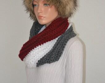 True Infinity Cowl/ Crochet Infinity Neckwarmer/ Red White Grey Neck Warmer/ Gift for Her/ Infinity crochet scarf