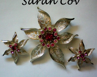 "Sarah Coventry 1967 ""Fashion Flower"" Pin Brooch & Earring Set - 4717"