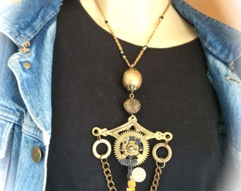 Vintage necklace steampunk necklace woman suspended from the passing of time