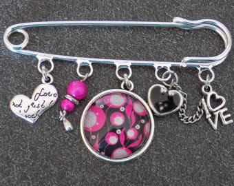 Love theme silver brooch