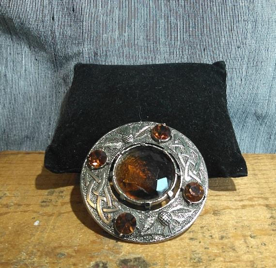 Large vintage Scottish Faceted Citrine decorative thistle kilt pin brooch