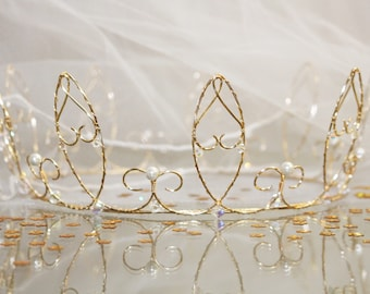 Gold Wire and pearl crown